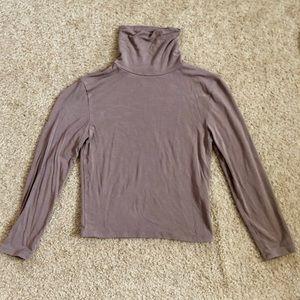 Cropped Turtleneck 3/4 Sleeve Top